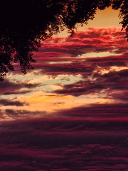 ocean of red sunset clouds